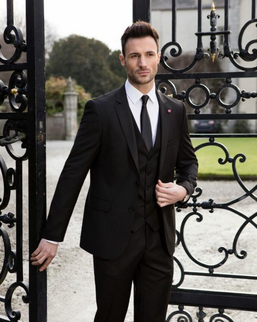 Black Wedding suit €229